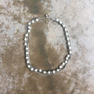 ❤️❤️2/$20 AE three chain necklace with faux pearls